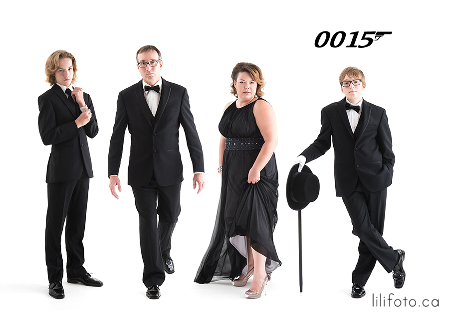 James Bond Lilifoto